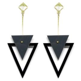 Brinco De Acrílico Triângulos – Cinza e Preto