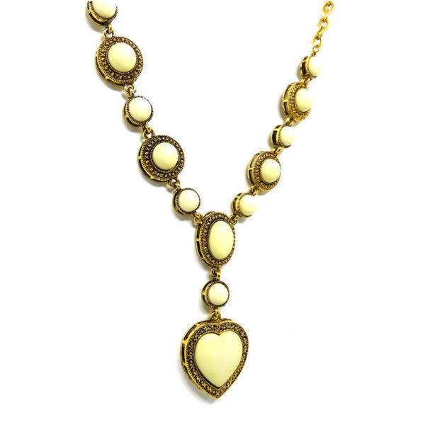 Colar Boho Dourado com Coração